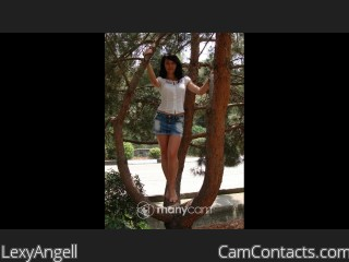 Webcam model LexyAngell from CamContacts