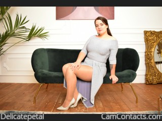 Webcam model Delicatepetal from CamContacts