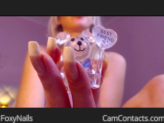 Webcam model FoxyNails from CamContacts