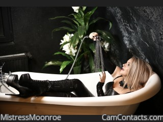 Webcam model MistressMoonroe from CamContacts