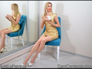 Webcam model JustLaFemme from CamContacts