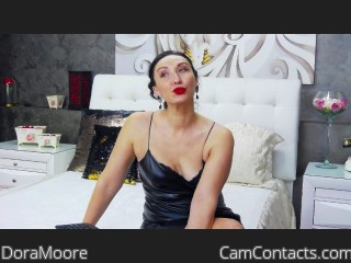 Webcam model DoraMoore from CamContacts