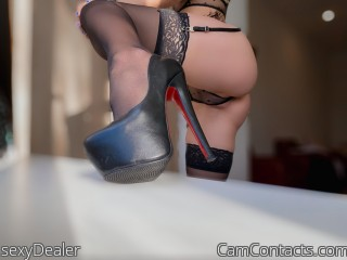 Webcam model sexyDealer from CamContacts
