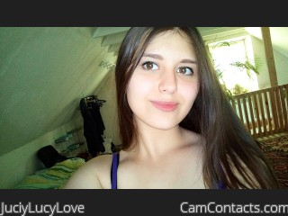 Webcam model JuciyLucyLove from CamContacts