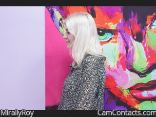Webcam model MirallyRoy from CamContacts