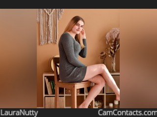 Webcam model LauraNutty from CamContacts