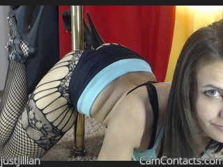 Webcam model justJillian from CamContacts