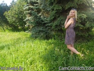 Webcam model YrLovelyLily from CamContacts