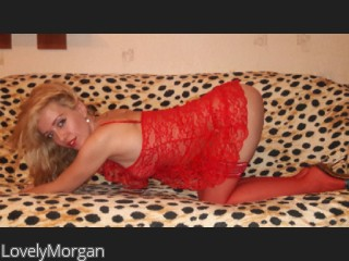 LIVE SEXCAM VIDEO CHAT mit LovelyMorgan