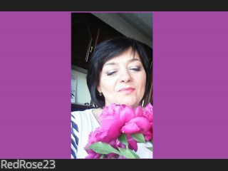 LIVE SEXCAM VIDEO CHAT mit RedRose23