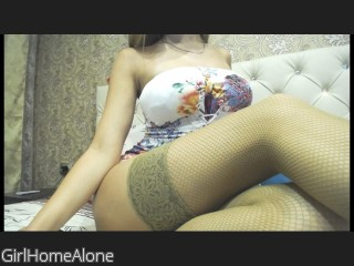 LIVE SEXCAM VIDEO CHAT mit GirlHomeAlone