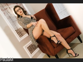 LIVE SEXCAM VIDEO CHAT mit PaulaM