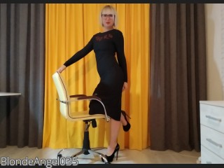 LIVE SEXCAM VIDEO CHAT mit BlondeAngel035