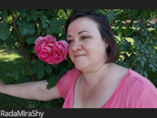 LIVE SEXCAM VIDEO CHAT mit RadaMiraShy